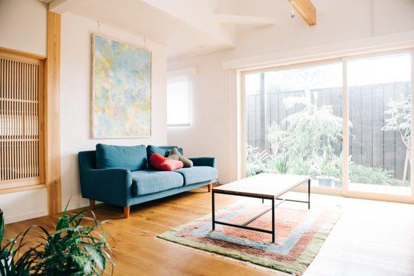 窓ガラスコーティングはUVカット(日焼け防止)も可能!紫外線対策になるコーティングの魅力を解説サムネイル